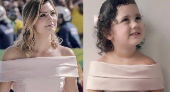 Menina Alice com o vestido igual ao da primeira-dama
