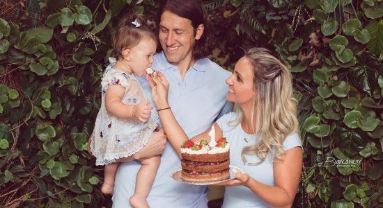 Goleiro e sua esposa decidiram não fazer festa para familiares