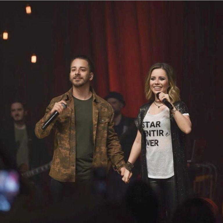 Sandy e Junior anunciam volta aos palcos em turnê comemorativa