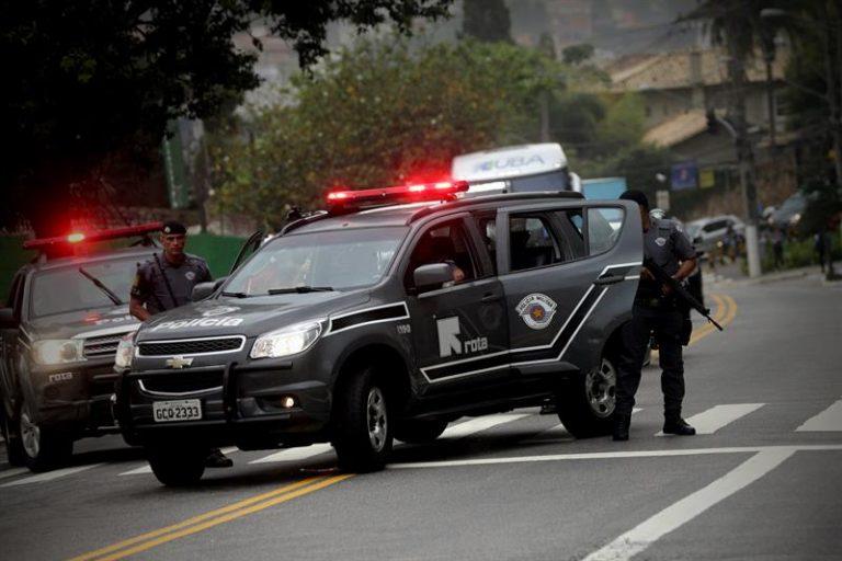 Bolsonaro recebe alta e deixa hospital