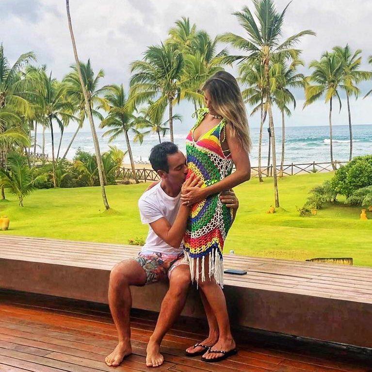 Ticiane Pinheiro está grávida de 4 meses