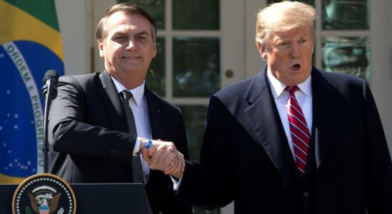 Jair Bolsonaro e Donald Trump fazem um pronunciamento conjunto