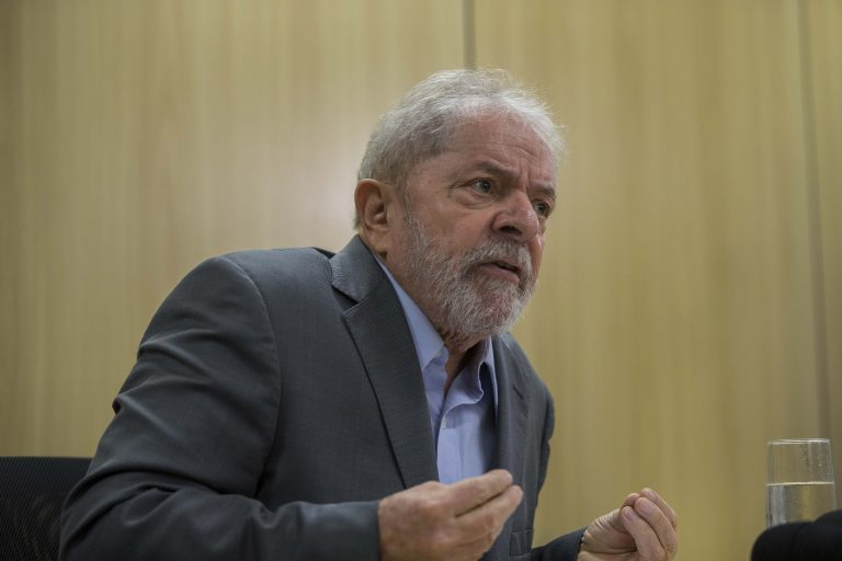 Lula foi acusado de corrupção passiva e lavagem de dinheiro
