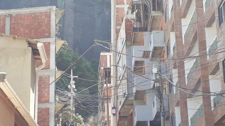 Dois prédios desabaram em Muzema