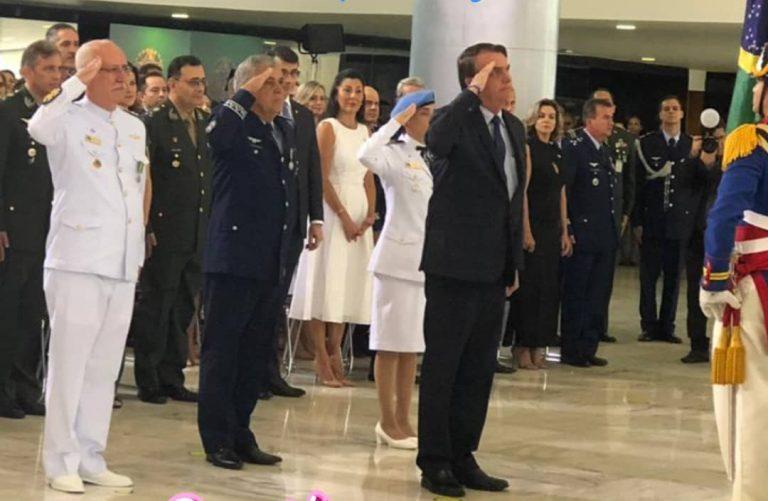 Bolsonaro e Michelle recebem militares promovidos