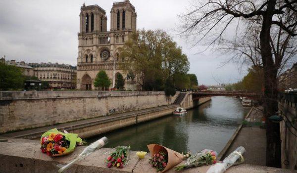 Incêndio tomou Catedral de Notre-Dame, em Paris