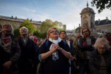 Fieis terão catedral provisória em frente à Notre-Dame