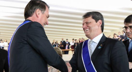Presidente da República, Jair Bolsonaro e o ministro da Infraestrutura, Tarcísio de Freitas