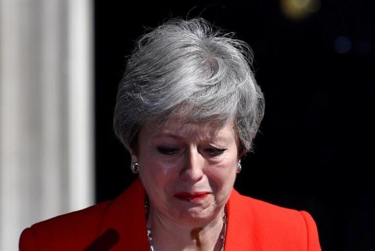 May anunciou sua decisão em um comunicado na residência oficial de Downing Street
