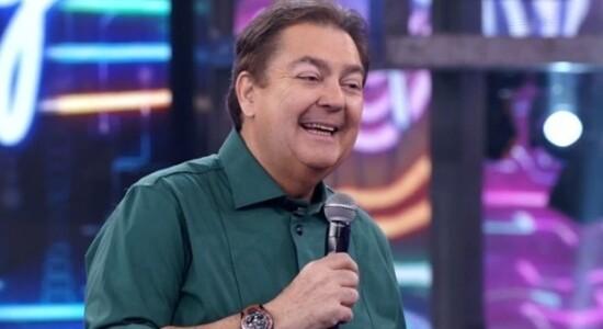 Faustão possui uma longa trajetória na televisão brasileira