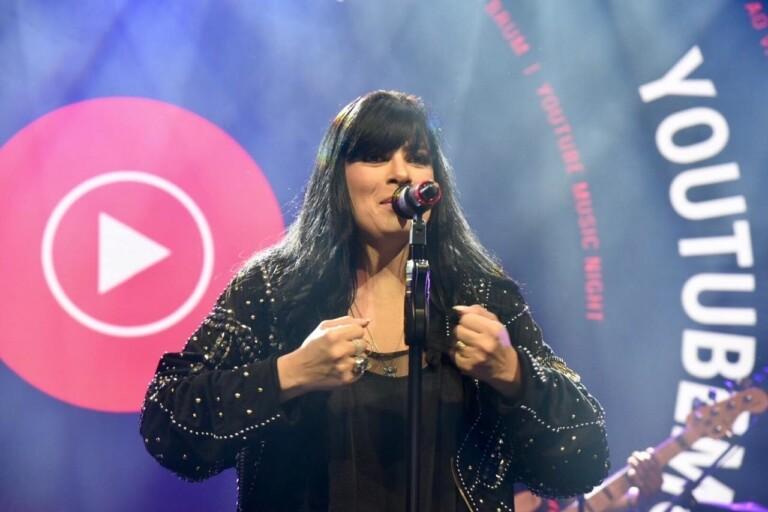 Fernanda Brum e Marine Friesen cantaram no 1º YouTube Music Night
