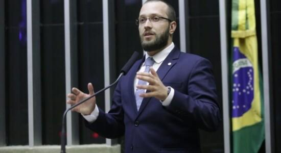 Filipe Barros declara que irá processar ministro do STF