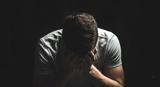 Relatório da ONU diz que 800 mil pessoas cometem suicídio todos os anos