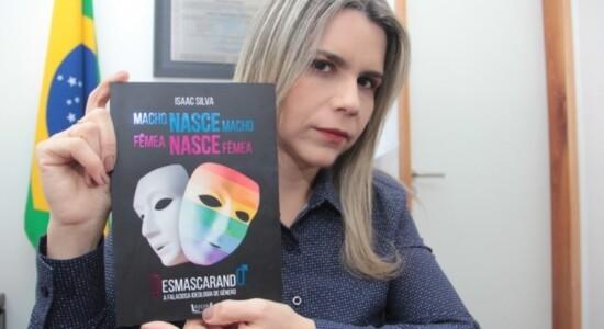 Clarissa Tercio vai distribuir livros