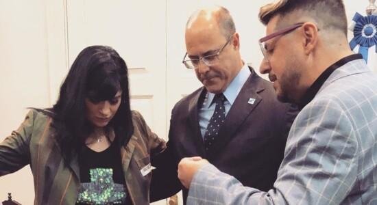 Fernanda Brum e Emerson Pinheiro oram com o governador Wilson Witzel