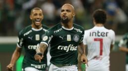 Palmeiras durante jogo contra o São Paulo