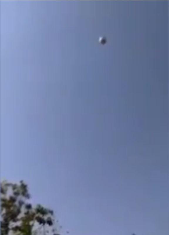 Corda que segurava balão se rompeu, levando mãe e filho para a atmosfera