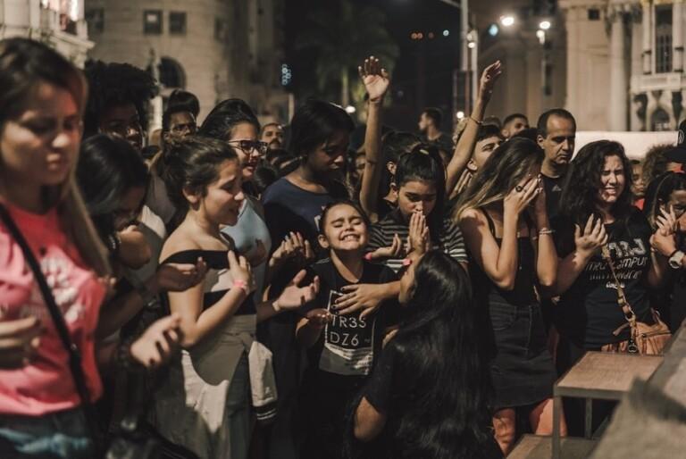 Céu na Terra Movement reúne 5 mil pessoas no Rio de Janeiro