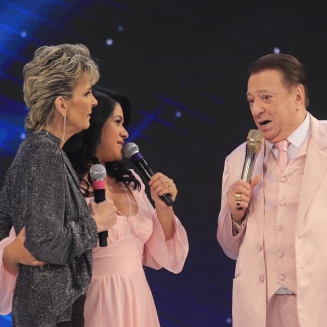 Ludmila Ferber emociona durante participação no Raul Gil