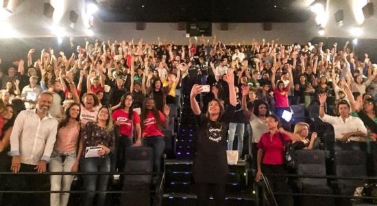 Mais de 1000 pessoas lotaram sessão especial de Mais Que Vencedores