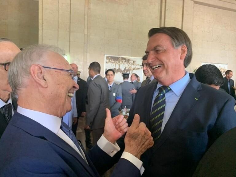 Bolsonaro participa de solenidade na Academia Militar das Agulhas Negras