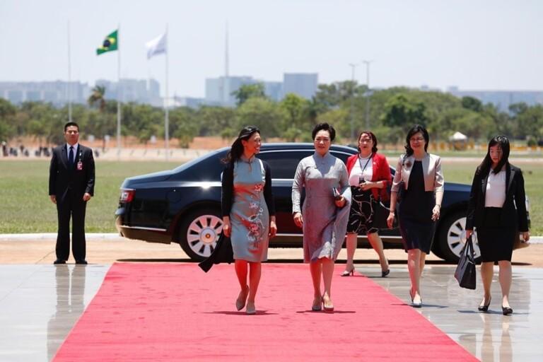 Michelle e Damares recebem primeiras-damas da China e África do Sul