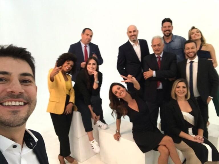 Ex-jornalistas da Globo posam juntos na CNN