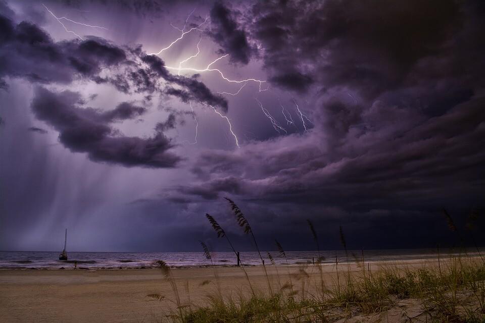 lightning-4234254_960_720