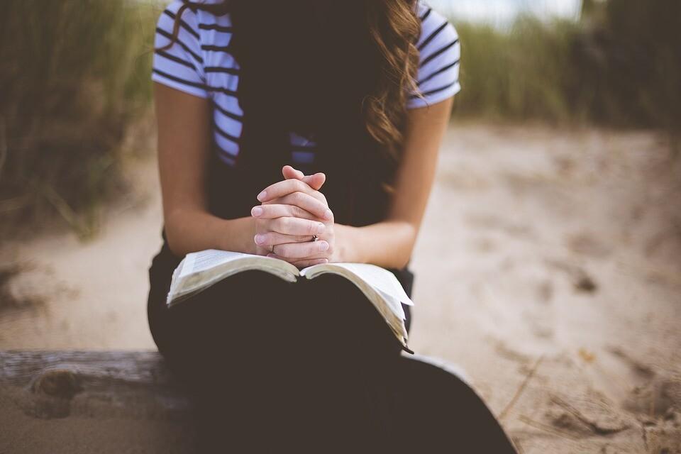 Prefeito decreta 21 dias de oração contra a Covid-19