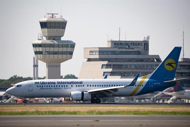 Boeing 737-800 similar ao que caiu no Irã