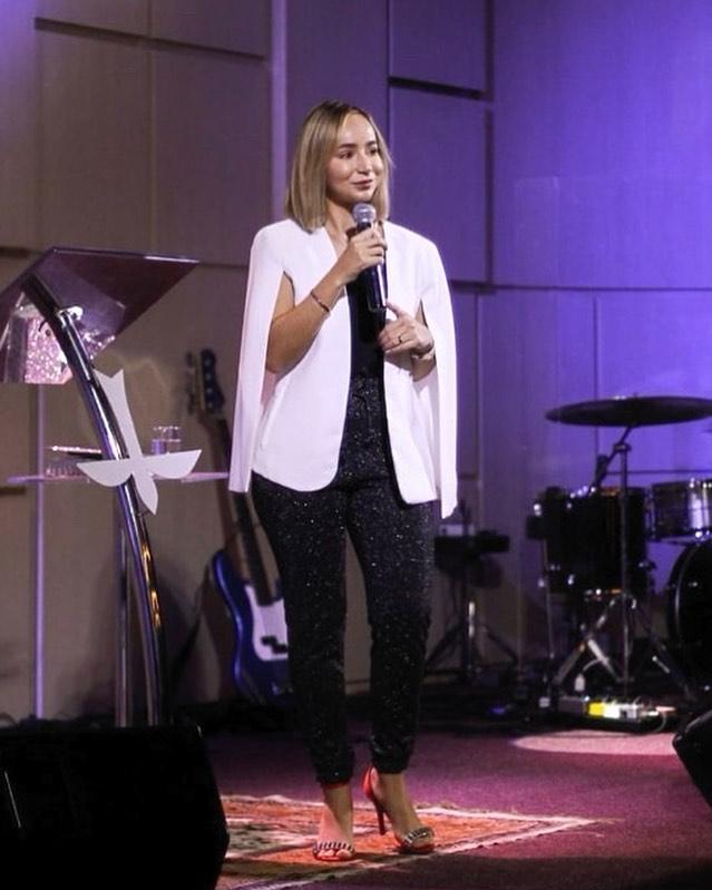 Fabiola Melo, youtuber e pastora da Poiema Church