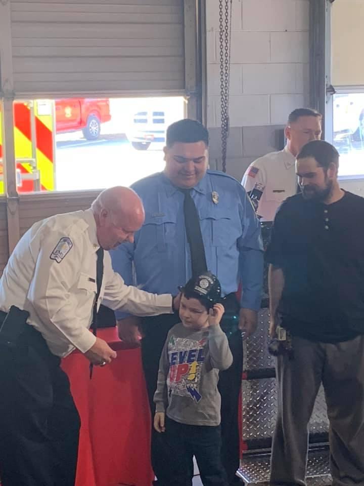 Noah recebeu título de bombeiro honorário da cidade de Bartow