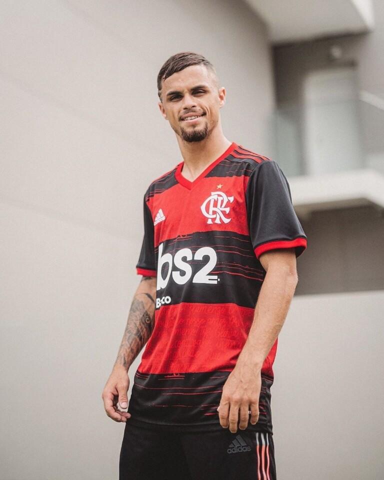 Nova camisa do Flamengo traz letra do hino do clube