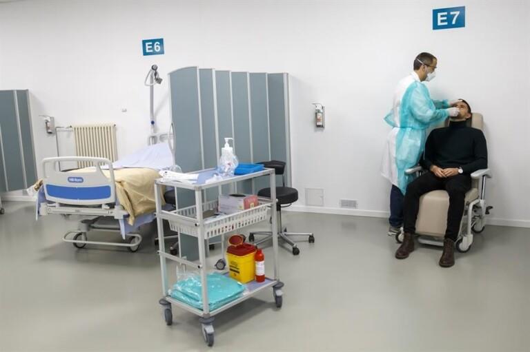 Profissionais de saúde estão na linha de frente do combate
