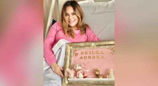 Saras Farias deu à luz a pequena Aurora, nesta sexta (10)