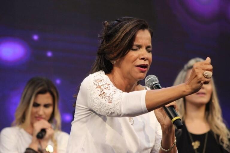 Pra. Ezenete Rodrigues