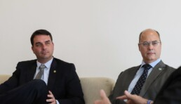 Senador Flávio Bolsonaro e o ex-governador do RJ, Wilson Witzel