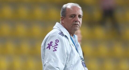 Ex-técnico Vadão morreu aos 63 anos de câncer