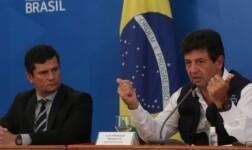 Sergio Moro e Luiz Henrique Mandetta durante coletiva
