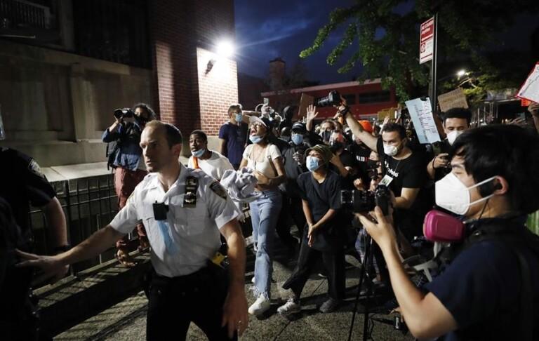 Protestos tomam ruas dos EUA após morte de George Floyd
