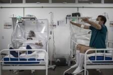 Fila por vagas de UTI em Pernambuco diminuiu 26% em três semanas