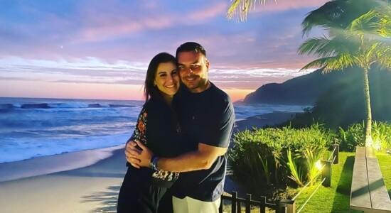 Flávio Bolsonaro e sua esposa, Fernanda Antunes Figueira