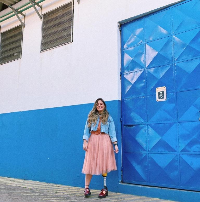 Bekah Costa grava imagens do clipe de Baluarte