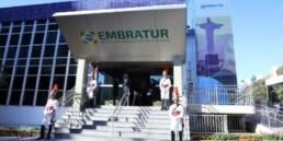Jair Bolsonaro sanciona lei que cria a Nova Embratur
