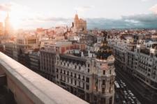 Espanha suspenderá quarentena para turistas estrangeiros em 1º de julho