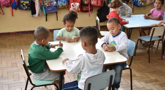 Renda Brasil pode ter voucher de R$ 250 para matrícula de crianças em creches