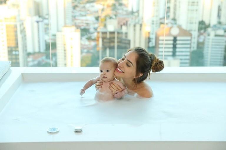 Os dois já são pais do pequeno Ravi, de 7 meses