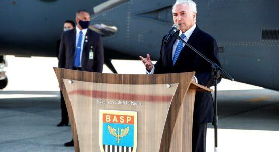 Temer desembarca no Líbano e transmite apoio brasileiro após explosão