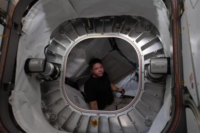 Viagem da SpaceX deve iniciar voos comerciais ao espaço