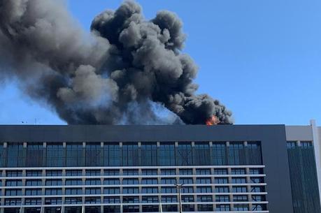 Incêndio atinge hospital em Brasília e pacientes são retirados às pressas